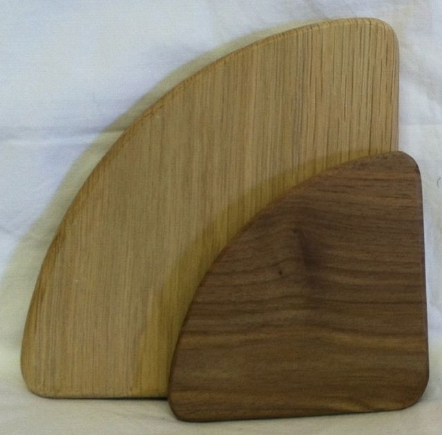 Triangle Grooved Round Corners Base Walnut